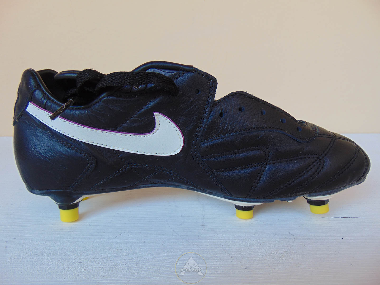 Vintage 90 nike tiempo premier made in italy ifbray for Nike official site italia